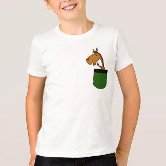 AE caballo en una camisa del bolsillo