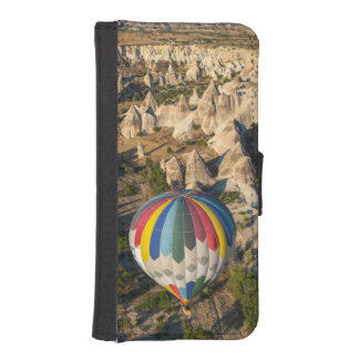 Aerial View Of Hot Air Balloons, Cappadocia iPhone SE/5/5s Wallet Case