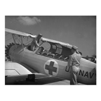 Aeroplano de la Cruz Roja WW2 Tarjeta Postal