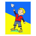 Aeroplano de papel que vuela del muchacho flyer a todo color