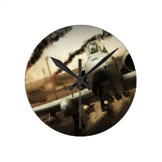 Aeroplano del rayo A-10 Reloj Redondo Mediano