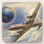 Aeroplano del vintage que vuela en todo el mundo e posavaso