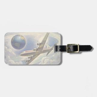 Aeroplano del vintage que vuela en todo el mundo etiquetas bolsas
