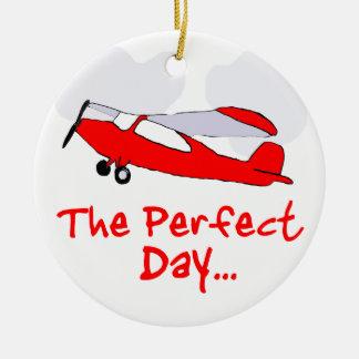 aeroplano rojo flyling experimental adorno navideño redondo de cerámica