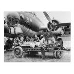 Aeroplano WW2 y equipo: los años 40 Postal