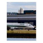 Aeropuerto de la ciudad de Alitalia Embraer ERJ-19 Tarjetas Postales