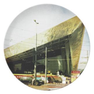 Aeropuerto, museo. .no apenas un trainstation plato de comida