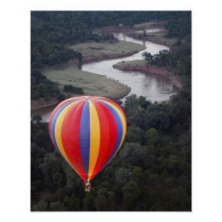 Aerostación de aire caliente sobre el río de Mara Impresiones