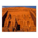 AF, Egipto, Abu Simbel. Fachada en la puesta del Postal