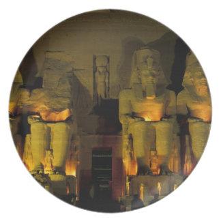 AF, Egipto, Abu Simbel. Figuras colosales de Plato Para Fiesta