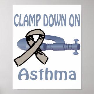 Afiance con abrazadera abajo en el poster del asma