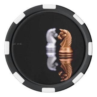 Afición del juego de ajedrez fichas de póquer