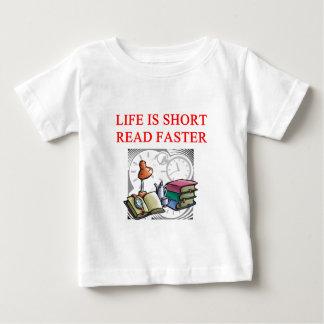aficionado a los libros de la lectura camisas