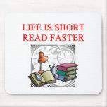 aficionado a los libros de la lectura alfombrillas de ratones