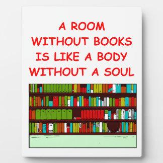 aficionado a los libros placas de plastico