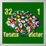 Aficionados al fútbol y coches del mundial del fút posters