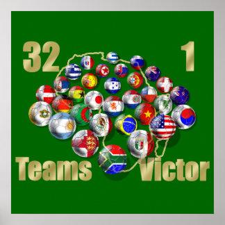 Aficionados al fútbol y coches del mundial del póster