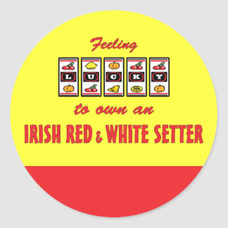 Afortunado a propio un organismo rojo y blanco pegatina redonda