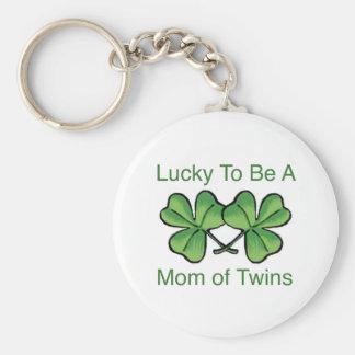 Afortunado para ser mamá gemela llavero redondo tipo pin