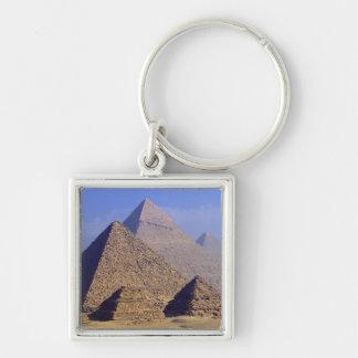 África, Egipto, El Cairo, Giza. Grandes pirámides Llavero Cuadrado Plateado
