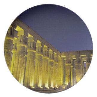 África, Egipto, Luxor. Corte de Sun de Amenhotep Platos