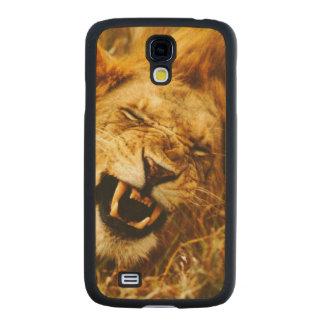 Africa, Kenya, Maasai Mara. Male lion. Wild Carved® Maple Galaxy S4 Case
