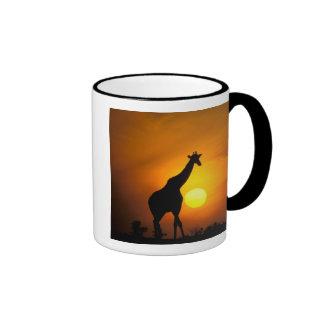Africa, Kenya, Masai Mara. Giraffe (Giraffe Ringer Coffee Mug