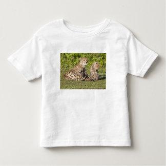 Africa. Tanzania. Cheetah mother and cubs 2 T-shirts