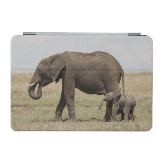 African Elephant mother with baby walking iPad Mini Cover