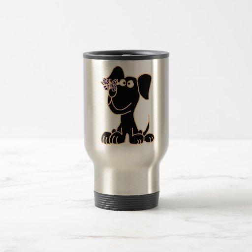AG perro de perrito negro con la mariposa en nariz Taza De Viaje