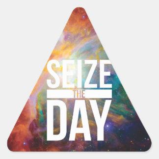 Agarre la nebulosa del día pegatina de triangulo personalizadas