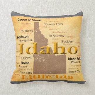 Aged Idaho State Pride Map Silhouette Throw Pillow