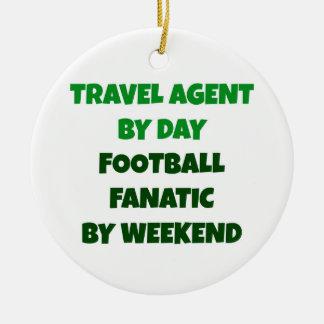 Agente de viajes del fanático del fútbol del día adorno navideño redondo de cerámica