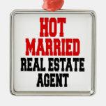 Agente inmobiliario casado caliente ornamentos de reyes magos