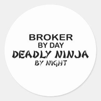 Agente Ninja mortal por noche Pegatinas Redondas