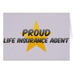 Agente orgulloso del seguro de vida felicitación
