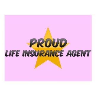 Agente orgulloso del seguro de vida postales
