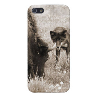 Aggressive wolf hunting bison iPhone SE/5/5s case