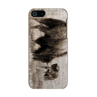 Aggressive wolf hunting bison metallic phone case for iPhone SE/5/5s