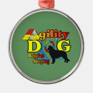 Agilidad belga del perro pastor adorno redondo plateado