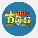 Agilidad de Sheltie del perro pastor de Shetland Pegatinas Redondas
