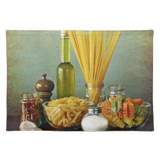 aglio, olio e peperoncino (garlic, oil and chili) cloth placemat