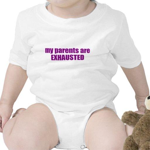Agotan a los padres púrpuras traje de bebé