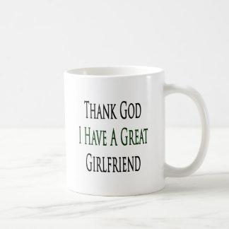 Agradezca a dios que tengo una gran novia taza básica blanca