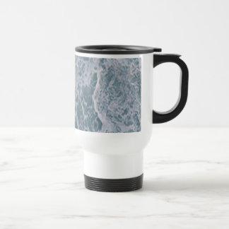 Agua abajo taza de café