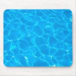 Agua azul de la piscina tapetes de ratones