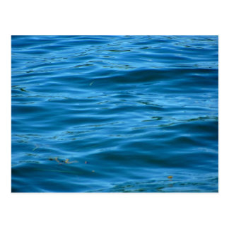 Agua azul del océano postal