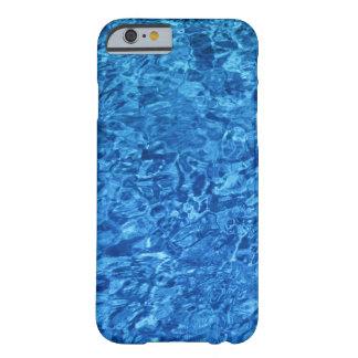 Agua azul funda de iPhone 6 barely there