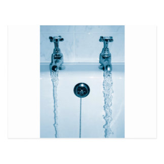 Agua caliente y fría, tiempo del baño, grifos postales