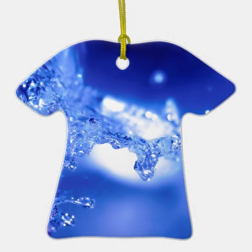 Agua de estallido del agua adorno de cerámica en forma de camiseta